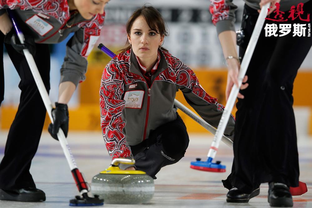 2005年成为冰壶运动健将候选人。
