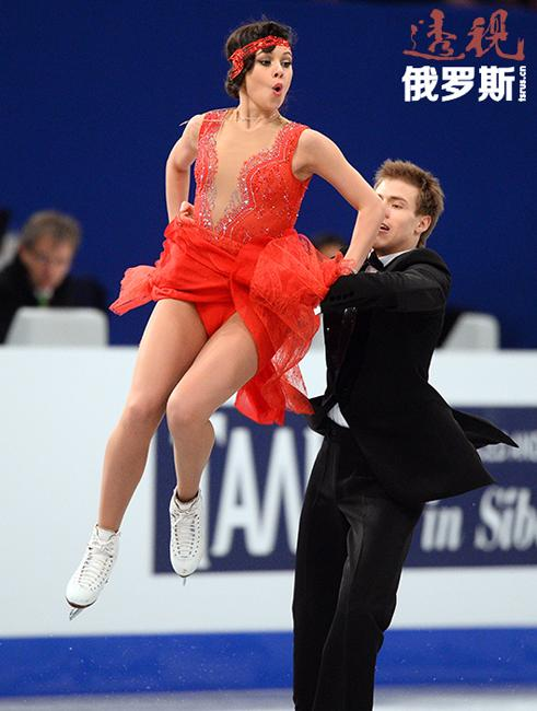 叶莲娜和尼基塔再次组对后很快便取得了好成绩,获得2009年世界青少年锦标赛金牌,并在青少年大奖赛决赛上获得第二名。2009-2012年,他们多次在欧锦赛和世锦赛上登上领奖台。