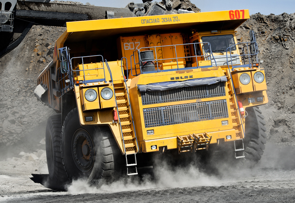 It uses 1000 liters of diesel fuel for every 100 kilometers traveled (approximately 265 gallons for every 60 miles). Its fuel tank has a capacity of 4360 liters. Each wheel weighs 8 tons and costs around one million rubles ($28,600). A special loader crane is needed just to put the tires on.