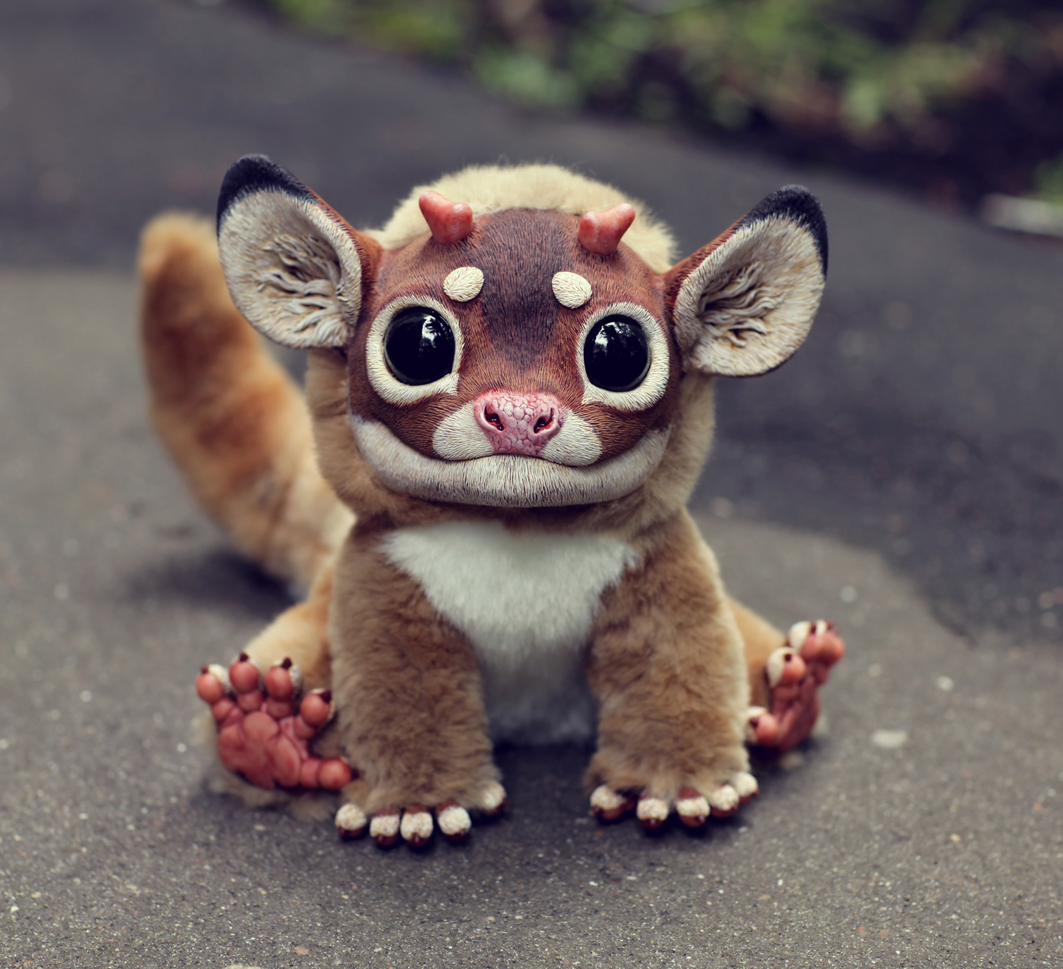 Not so long ago, photographs of frighteningly realistic toys of mythical beasts were published on various foreign websites. A bit terrifying, but cute and amusing, images riveted the media's attention.