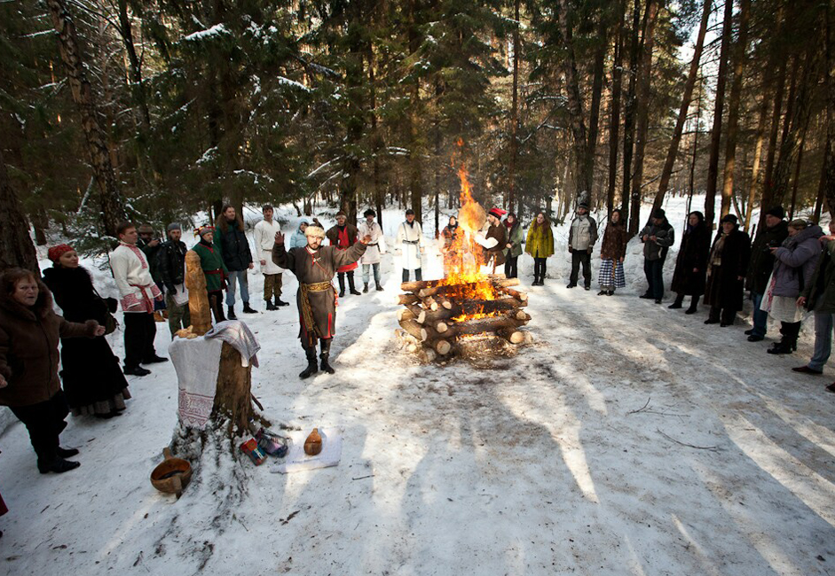 Maslenitsa (Shrovetide) was originally a pagan holiday. However, with the advent of Christianity, the vernal equinox (March 20-21) became a permanent fixture in Lent. Therefore, the nationwide consumption of pancakes now comes a month earlier.