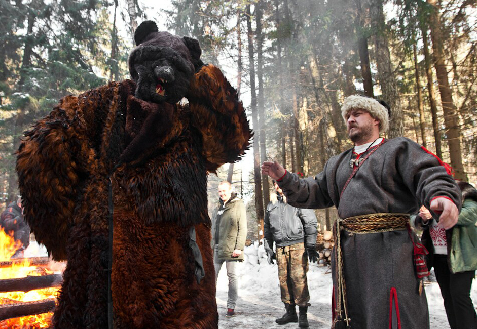 Strictly speaking, Komoeditsa or Maslenitsa is a festival not only of spring, but of the bear.