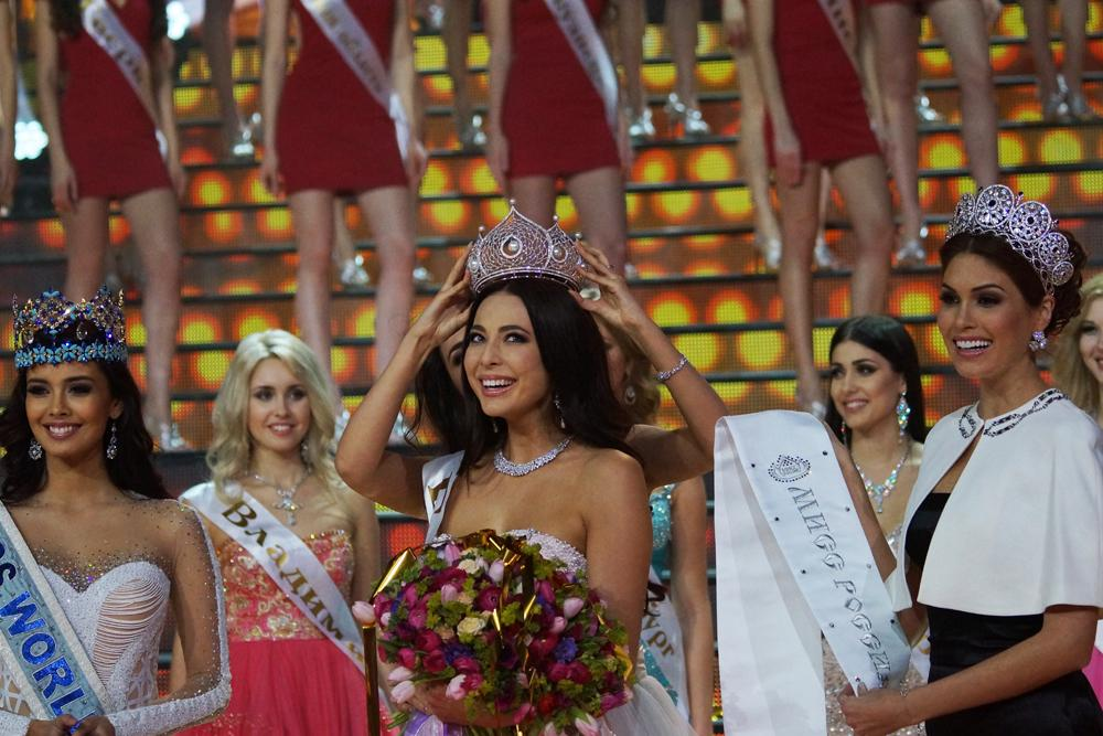 The winner of the competition received a crown of white gold with diamonds and pearls. This victory means that Alipova will represent Russia in international competitions.