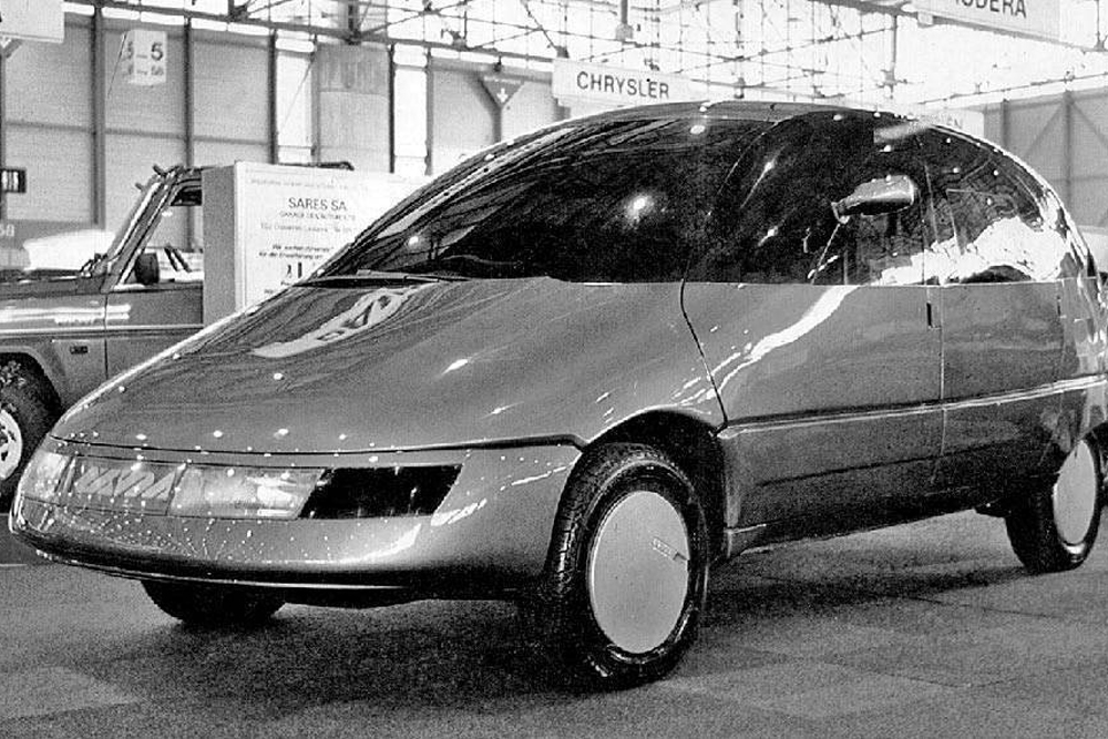 NAMI Okhta. The Okhta automobile was built in 1986-87 at the Leningrad Laboratory of Advanced Prototyping of Light Vehicles by NAMI (the Central Automobile Research Institute). This concept car could seat a maximum of seven: the second and third seat rows were removable, while the front could be rotated through 180°. The rear seat folded into a handy table. At that time, the multiplex system — in a Soviet car no less — was pure science fiction. The only instance, restored after a crash, is on display in a museum.
