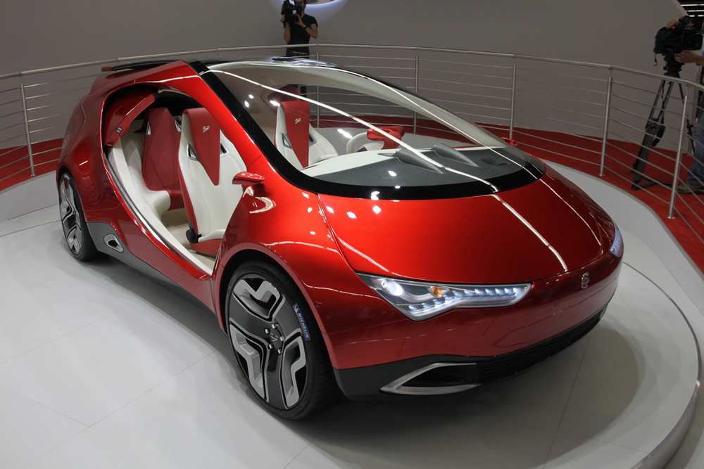 The Yo-mobil is a planned hybrid car of Russian design that seeks to combine an electric transmission with power from a generator turned by a gasoline internal combustion engine and from a capacitive accumulator. The project was promoted by Russian oligarch Mikhail Prokhorov. According to the developers, industrial production was slated for early 2015, but in February 2014 insider information appeared saying that the project was closed.