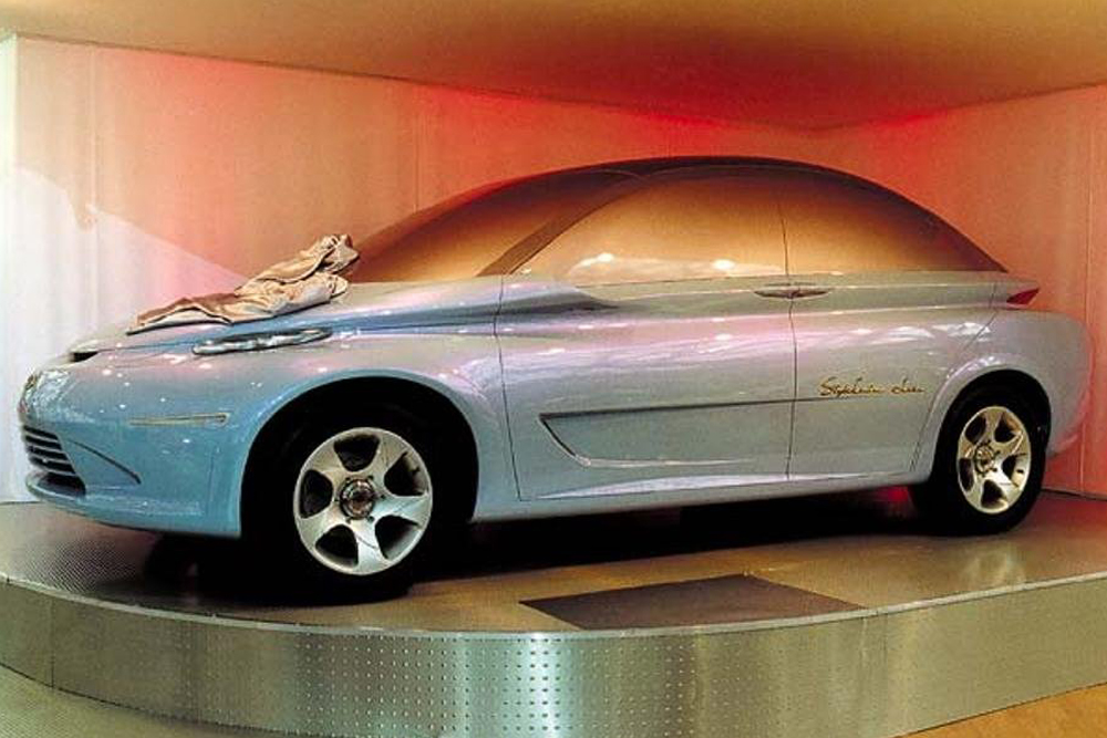 With the concept car Lada Peter Turbo STC, AvtoVAZ designers headed by Sergei Sinelnikov demonstrated their vision of a single-space vehicle with good aerodynamics. A curious detail is that the roof is not convex, but slightly concave. Unveiled in 2000 at the Paris Motor Show, the model's design received plaudits from foreign experts. But it was, however, just a model — the doors didn't even open, they were painted on. The concept never got off the drawing board and is now in a museum.
