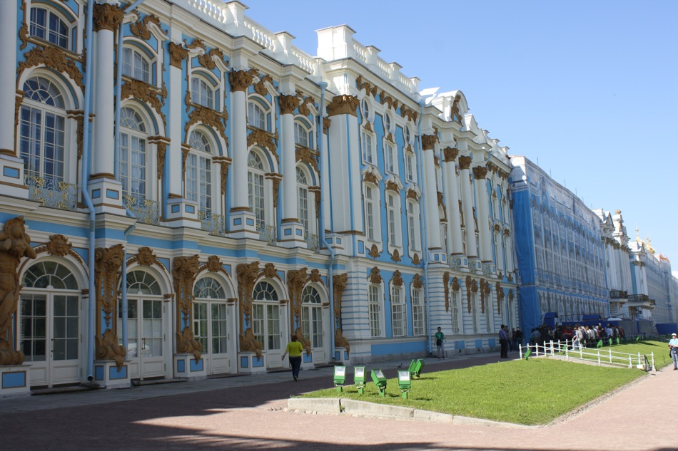 The Catherine Palace, a late-Baroque style palace is located in the town of Pushkin, which is in the outskirts of the former imperial capital of St Petersburg. Although the palace originated in 1717 when Empress Catherine the Great asked German architect Johann-Friedrich Braunstein to design and construct a summer residence, several extensions were carried out till 1756.