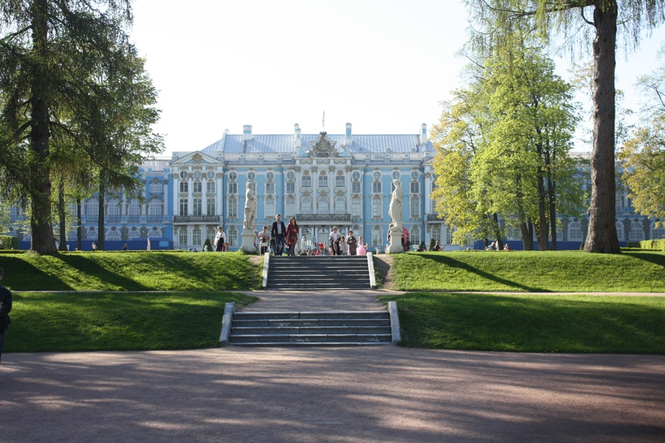 The main palace was constructed in the Rococo style.