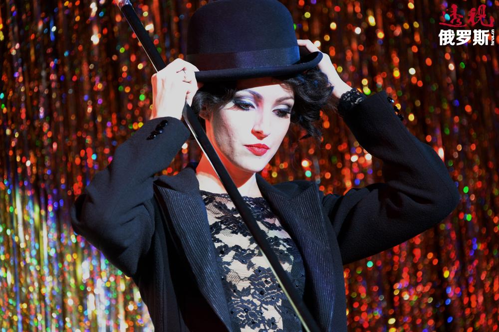 2008年,马科耶娃被确定为音乐剧《基督山伯爵》的主要演员,由此成功地返回戏剧舞台。