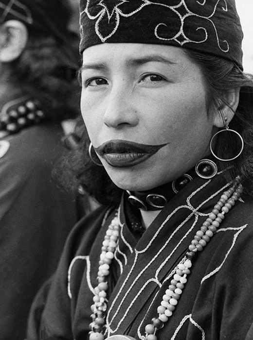 These days, some ethnic Ainu women wear temporary tattoos during festivals and ceremonies.