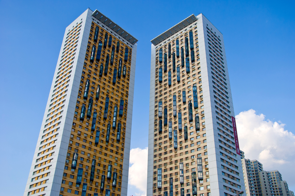 The House on Begovaya residential complex consists of two separate 38-storey towers and a huge 6-sectioned building of variable height with 1,946 apartments.