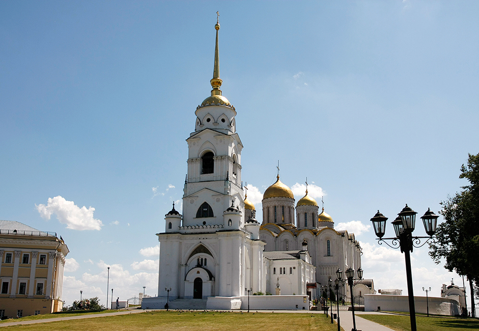 Before Moscow's ascent to power, Uspensky (Assumption) Cathedral was historically the main church of Vladimir-Suzdal.