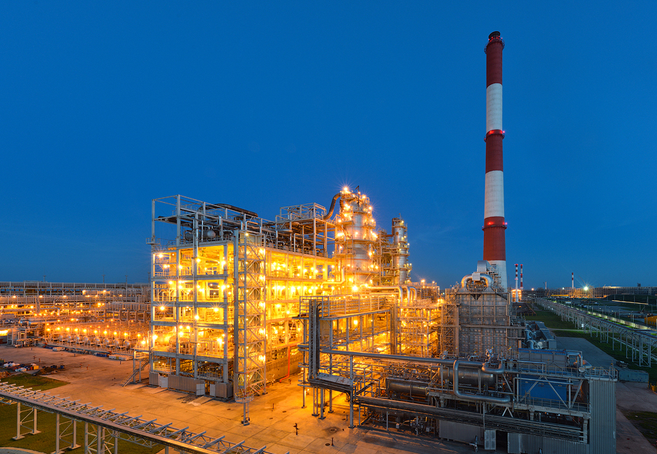 Currently, the volume of the oil refinery's output is approximately 8 million tons. When the refinery was first opened in 2011, the target was to refine 7 million tons. Now, regional authorities plan to gradually increase production to 14 million tons of oil per year.