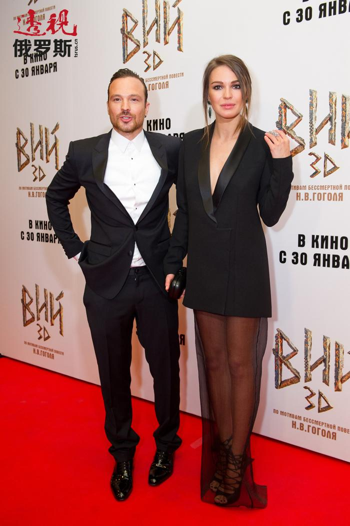 阿格尼亚与在影片《热度》中相识的演员阿列克谢•恰多夫(Aleksey Chadov)相恋了。两人的关系持续了数年,但2009年因不明原因分手,不久后又重新复合。