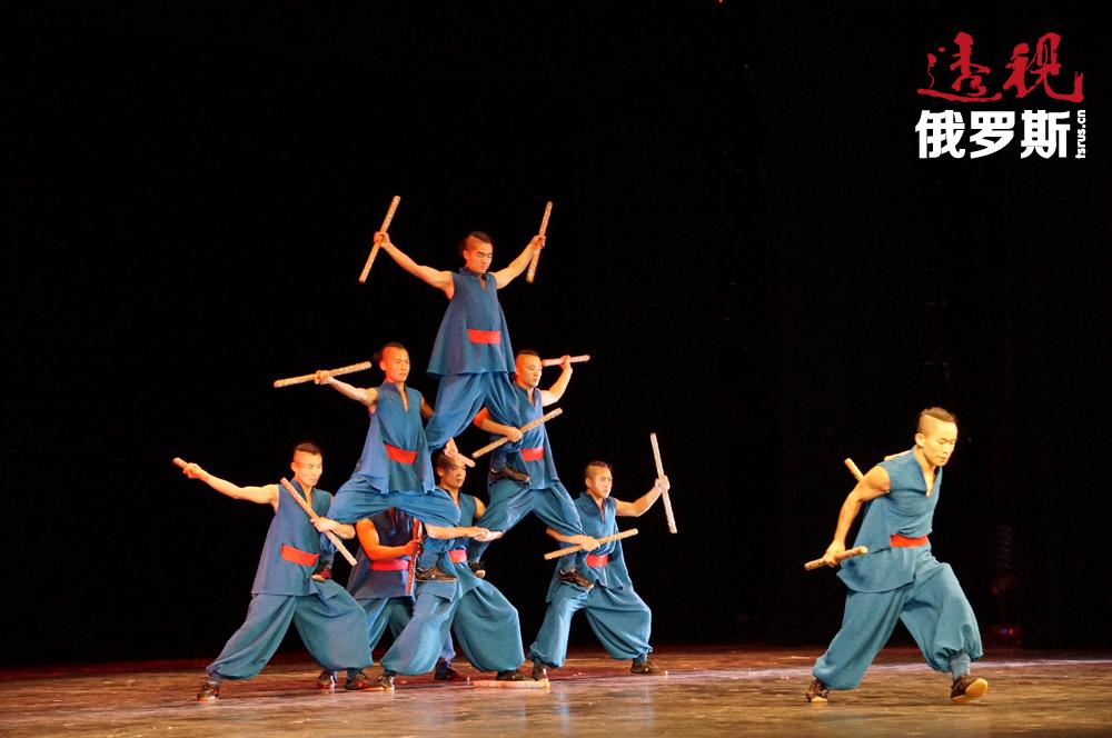 不可思议的特技舞蹈、戏剧和杂技表演给观众们留下了深刻的印象。