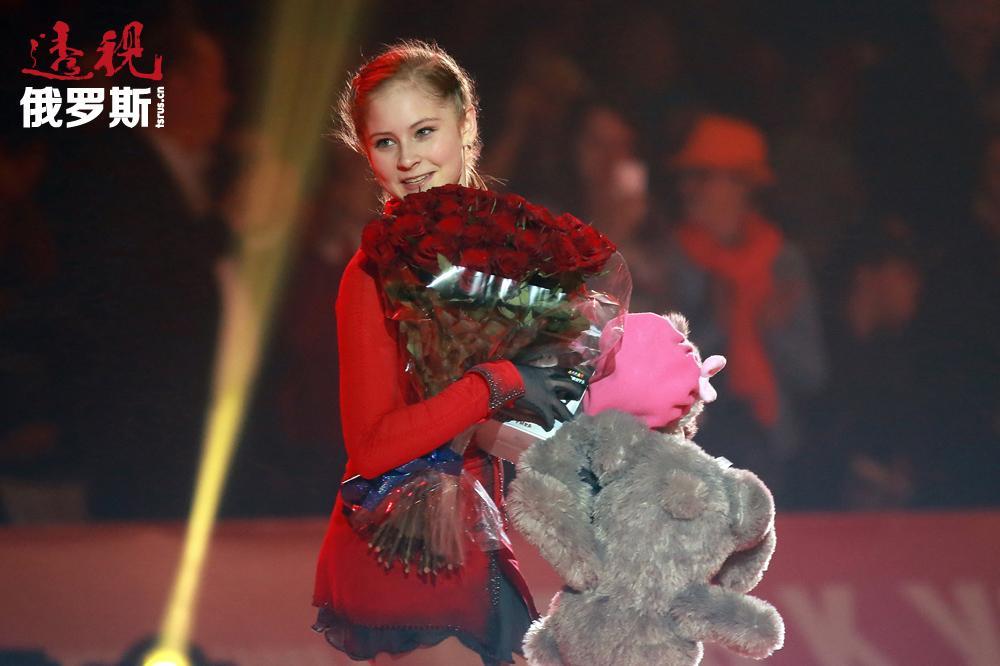 俄罗斯著名女子花样滑冰动员尤利娅•利普尼茨卡娅(Yuliya Lipnickaya)1988年6月15日生于叶卡捷琳堡。