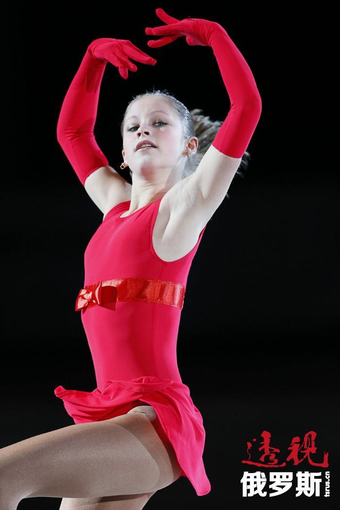 尤利娅2012年成为世界青年冠军,2014年夺得欧锦赛冠军。