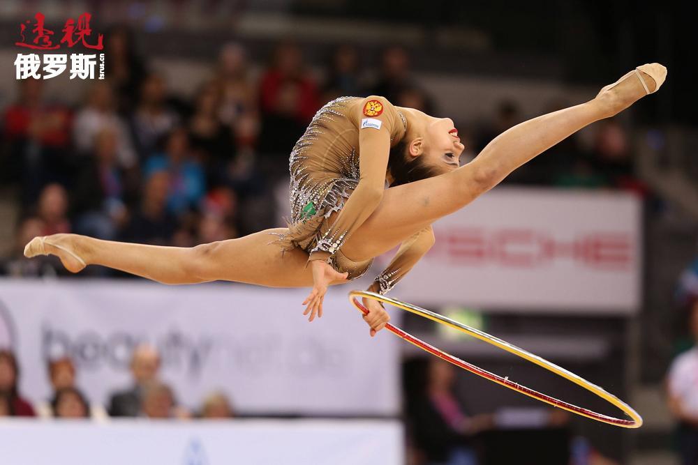 当玛格丽特被问及是否从小梦想成为像阿丽娜·卡巴耶娃这样的优秀体操运动员时,她回答道,当初加入艺术体操队,仅仅是因为离家近。