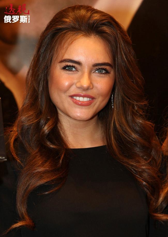 维多利亚·克鲁塔娅(Viktoria Krutaya)——俄罗斯歌手以及俄罗斯著名作词作曲家伊戈尔·克鲁托依(Igor Krutoi)的养女。