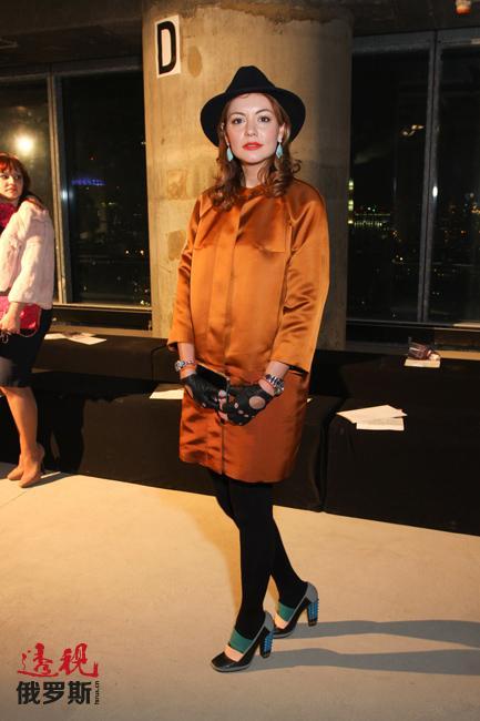 最近,塔妮娅正在专注于创立自己的鞋类品牌,并将在莫斯科以她的名字命名的精品店进行销售。
