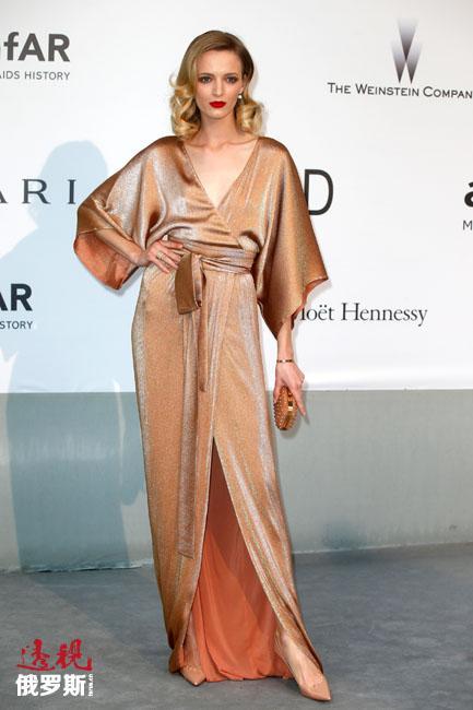 俄罗斯姑娘黛莉雅·斯托寇思在世界顶级模特名单上排在第六位。