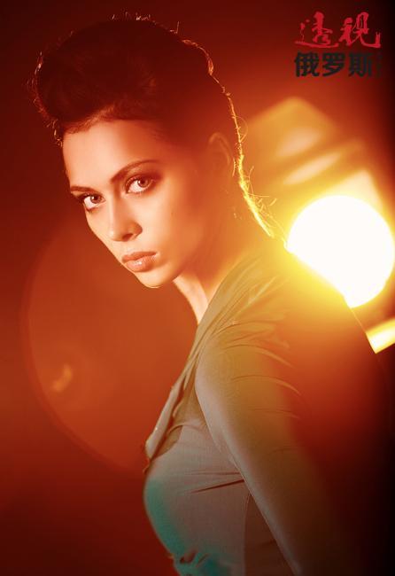 证明了自己作为演员、模特和歌手的价值后,娜斯塔西亚·萨姆布尔斯卡娅又开始以新的形式来挑战自己,2013年首次以主持人的身份在电视节目《我是对的》中亮相并获得巨大成功。