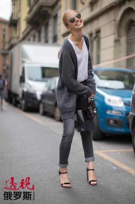 """她成功参加了乌利亚纳·谢尔金延科的服装展示,并参与拍摄俄罗斯服装品牌""""Bohemique""""的广告。"""