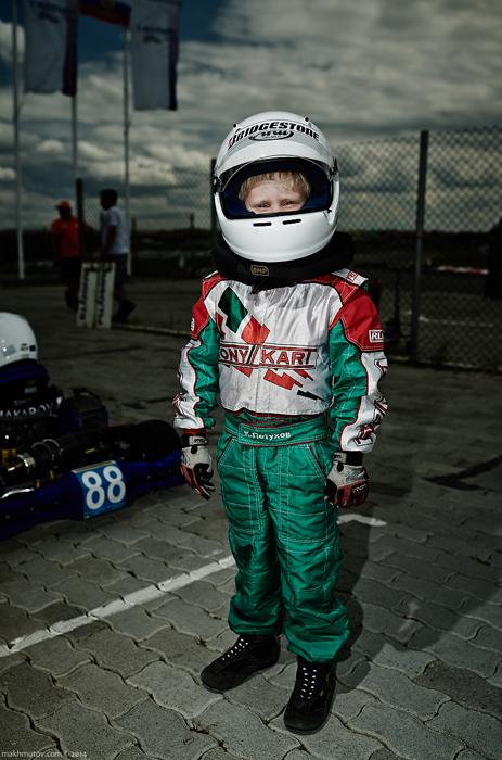 What Russian doesn't like fast rides? These guys got used to high speeds at a very early age. Artyom, for example, is 5 years old. He started riding a go-kart not too long ago.