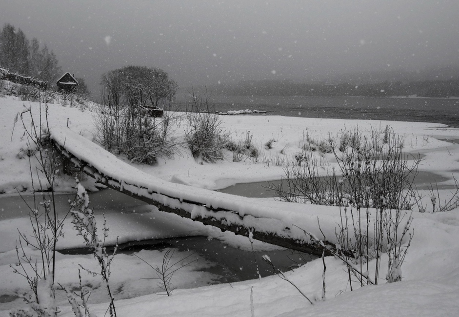"""Footbridge."" Taken during snowfall on the Yenisei. Only the crunch of snow all around, the river and the dense forest."