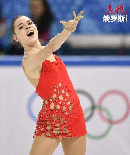 经过刻苦的训练,阿杰琳娜·索特尼科娃12岁就获得了2008年俄罗斯花样滑冰全国锦标赛冠军。她这次胜利后曾对俄罗斯总统普京许诺,一定赢得奥运冠军。我们都知道,阿杰琳娜在5年后兑现了自己的诺言。