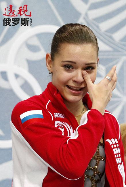 阿杰琳娜·索特尼科娃在2014年索契冬奥会上创造了真正的奇迹。在自由滑节目之中获得224.90分的高分,为俄罗斯夺得有史以来第一枚女子花样滑冰单人滑奥运金牌。