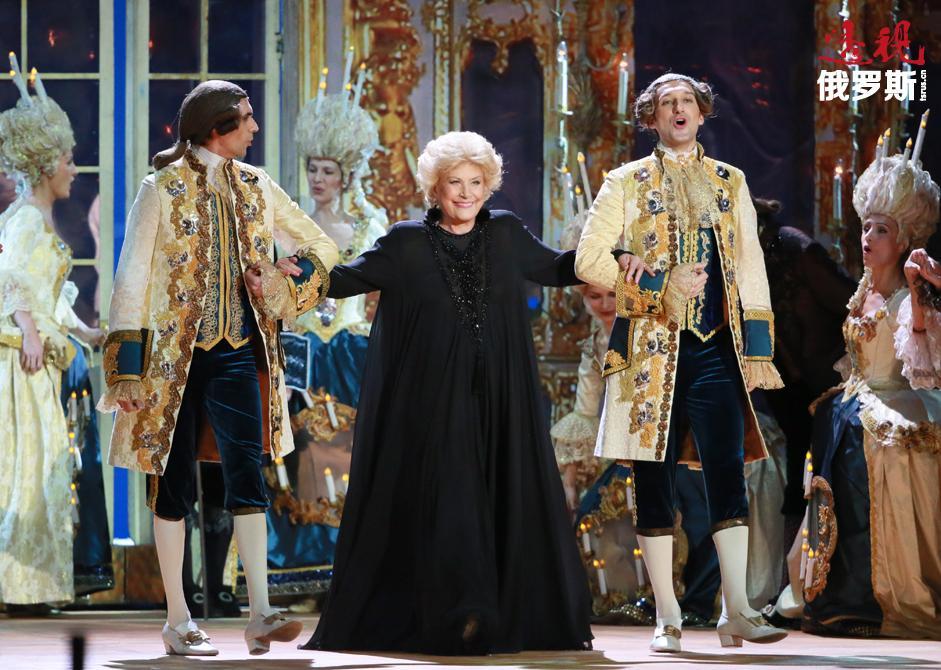 俄罗斯歌剧演唱家叶莲娜·奥布拉兹佐娃因病长期卧床,于近日在德国一间医院离世,享年76岁。葬礼将在莫斯科新圣女公墓举行,而遗体告别仪式将在歌唱家长期演出的莫斯科大剧院举行。