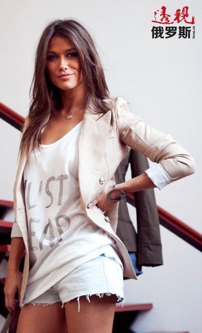 安娜毕业于莫斯科国立教育大学,主修心理学。