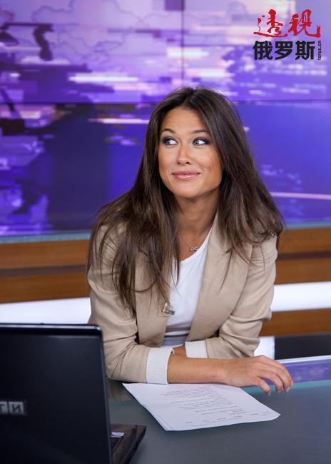 然而,在THT频道工作多年后,安娜决定离职并加盟全俄国家广播电视公司旗下的一家联盟电视台。