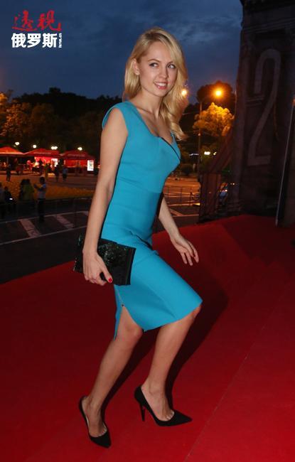 之后,雅尼娜嫁与著名制片人亚历山大·罗德尼扬斯基之子小亚历山大·罗德尼扬斯基为妻。