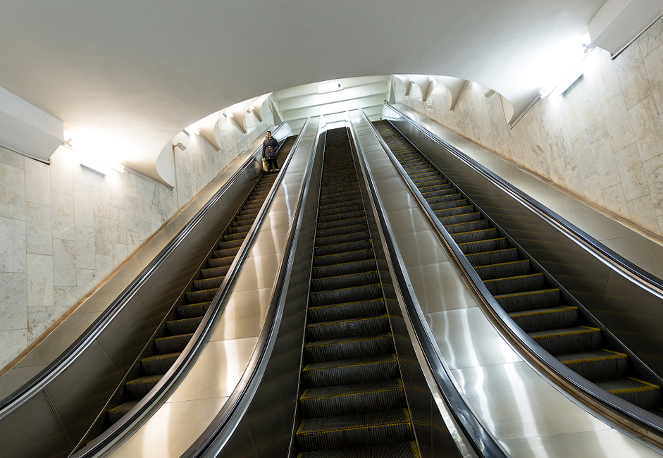 Of the 9 stations in the Samara metro, only 3 are equipped with escalators.