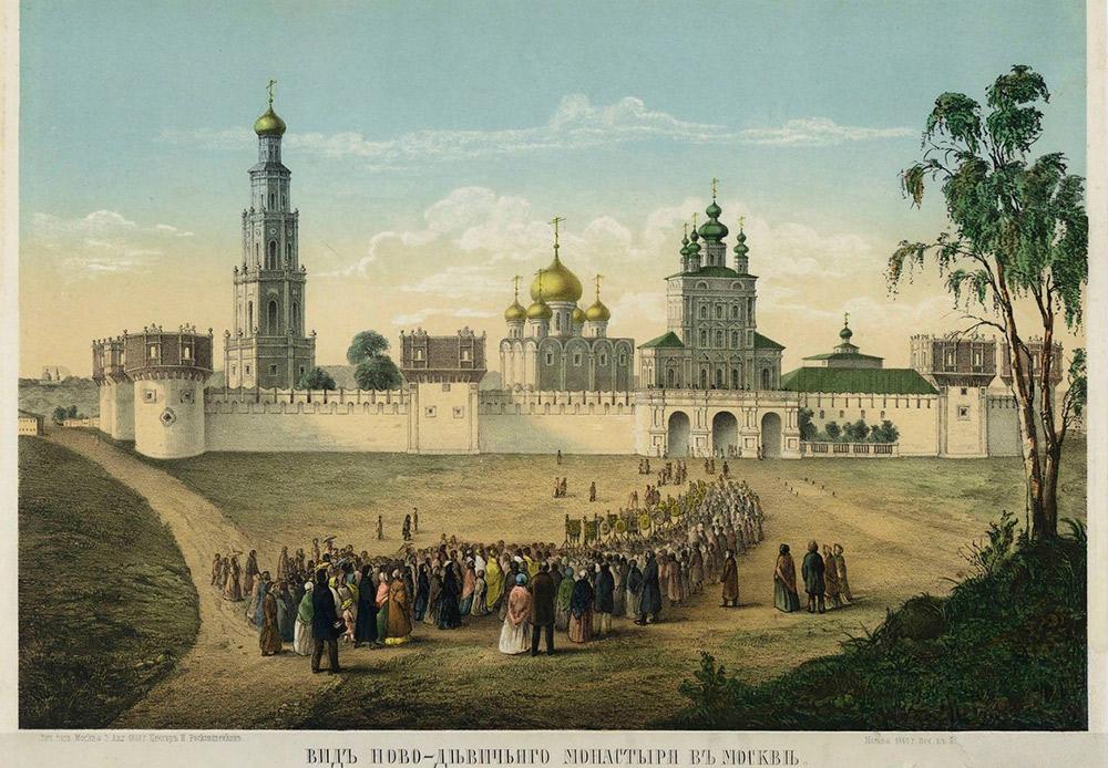 À l'origine, les murs et les tours du couvent de Novodievitchi étaient en bois. Vers le XVIIe siècle, le territoire fut entouré de murs en briques avec 12 tours à l'image des tours du Kremlin.