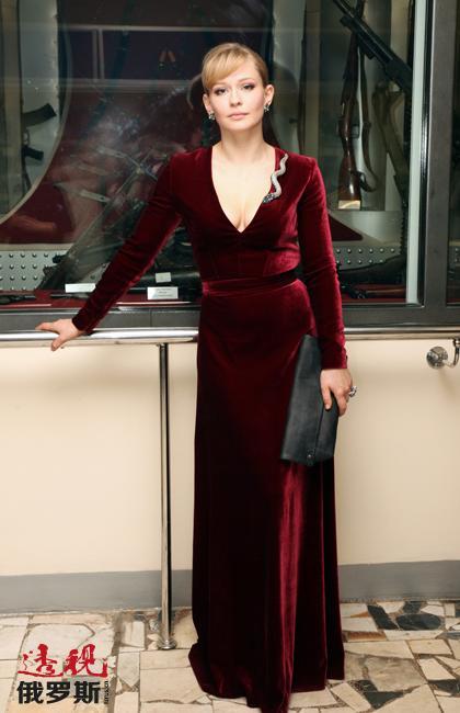 2015年佩雷西德出演了万众期待的电影《塞瓦斯托波尔保卫战》中的主角,她在电影中完全进入到了伟大卫国战争期间家喻户晓的女狙击手柳德米拉•帕夫丽琴科这一角色当中。尤丽亚∙佩雷西德认为在电影《塞瓦斯托波尔保卫战》中出演的角色是自己星途中最重要的。