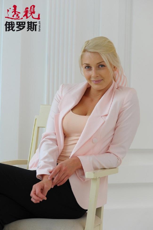 柳巴瓦·格列什诺娃1988年7月5日生于乌克兰哈尔科夫。