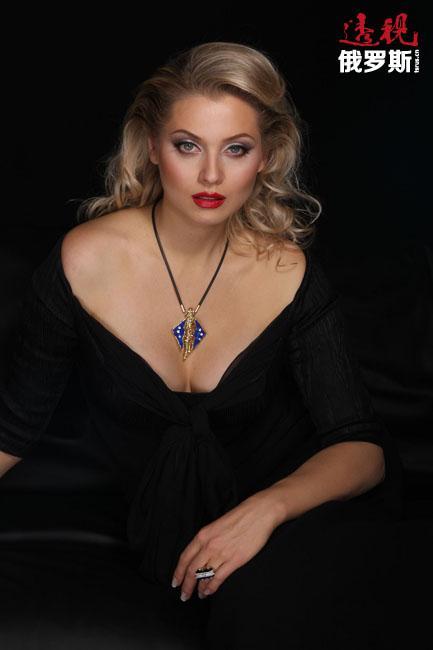 2005年,功成名就的列娜·列宁娜返回俄罗斯。之后又出版了几本俄语和法语小说。