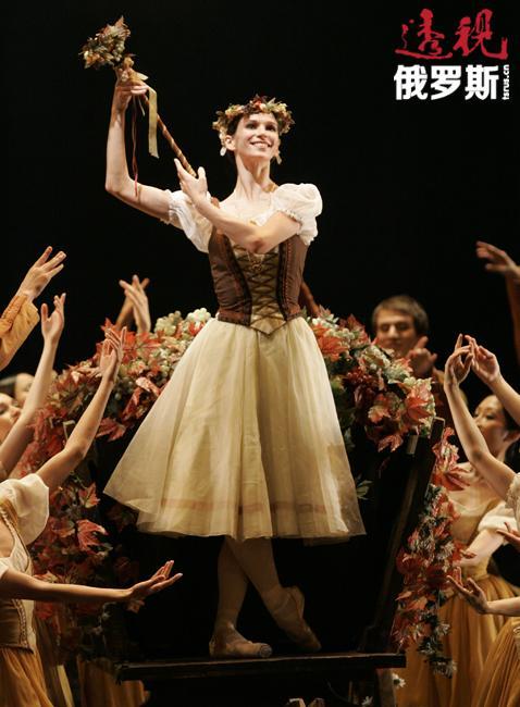 谢米奥诺娃的保留剧目之一是法国芭蕾舞剧《吉赛尔》。