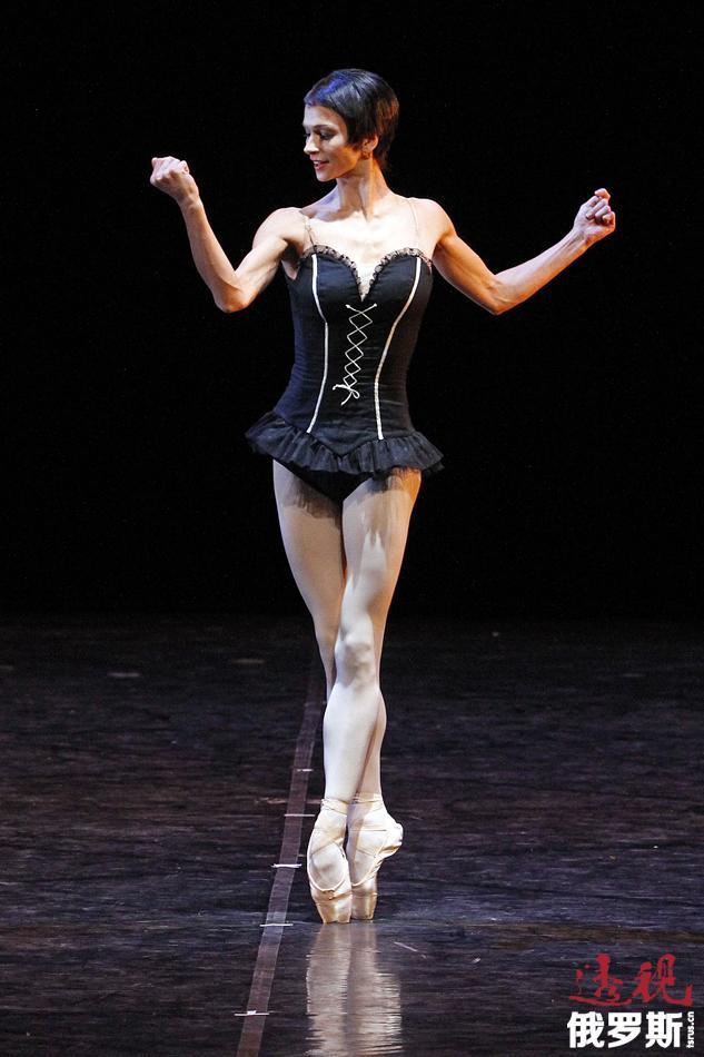 2011年1月,谢米奥诺娃曾在北京大剧院演出,这是她第一次也是唯一一次造访中国。