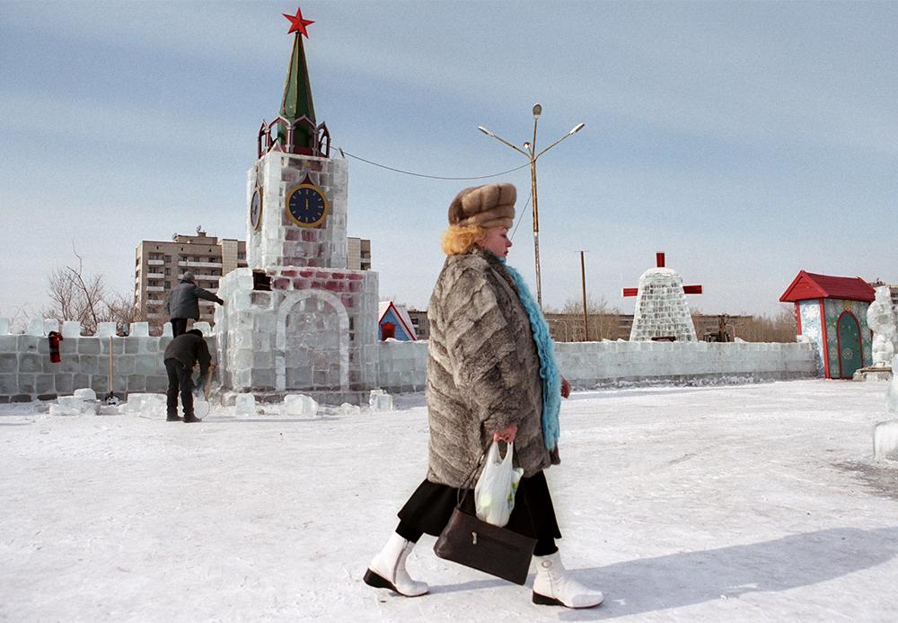 Sergueï Maximichine a fêté ses 50 ans en 2014 et a décidé de résumer l'œuvre de sa vie et la réunir dans une seule exposition. Il a choisi 100 photographies qu'il souhaitait partager avec le monde. Il prévoit d'en faire un livre de 100 images, chacune avec sa propre histoire de création. / Ville de Krasnokamensk, région de Zabaïkalsk, Russie, 2006.