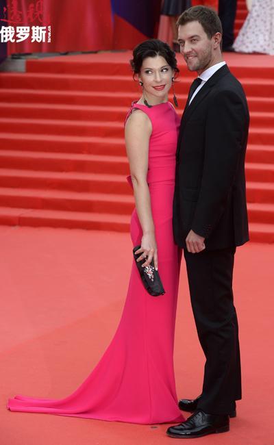 演员叶卡特丽娜•沃尔科娃和丈夫。