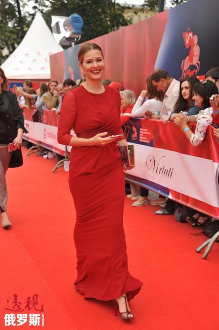 演员玛利亚•科热弗妮科娃。