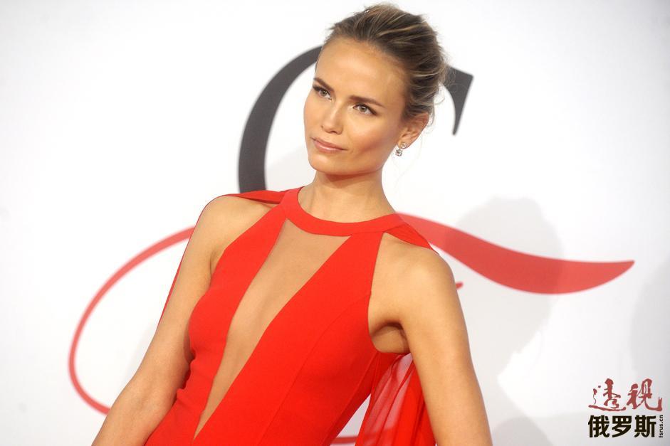2014年成为巴黎L'Oréal代言人。