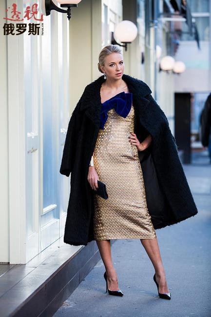 季马尼娜除体育外还喜欢时尚,他的照片经常在时尚杂志上出现。
