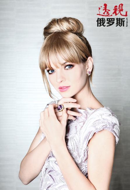 娜塔莉亚14岁起就偶尔在各种影片和电视剧中扮演不同配角。