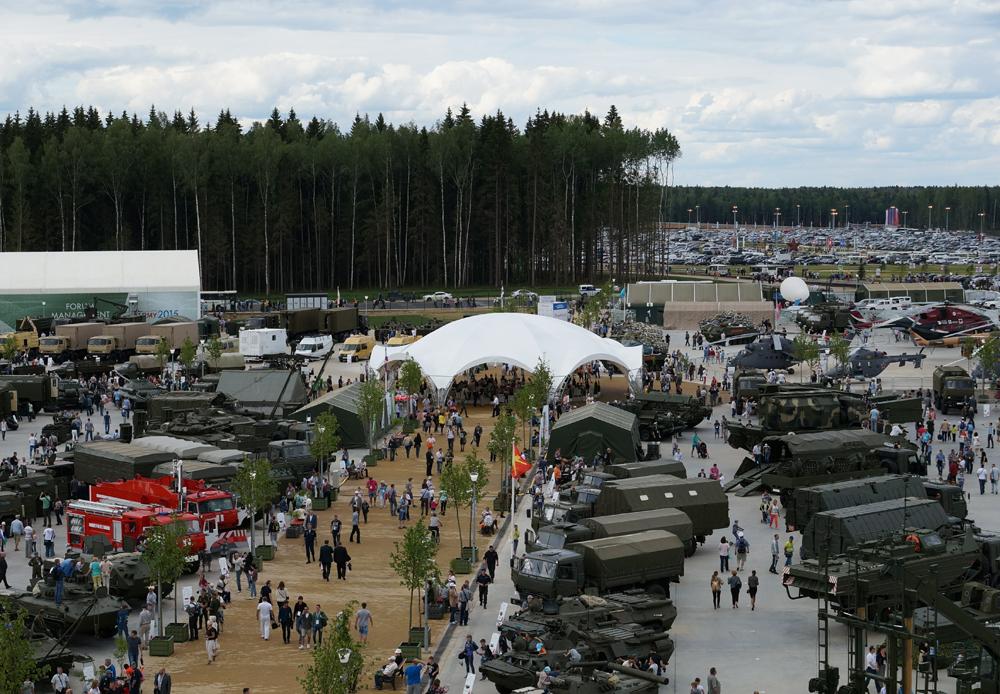 """""""陆军-2015""""论坛于6月16-19日在莫斯科郊区的库宾卡举行。"""
