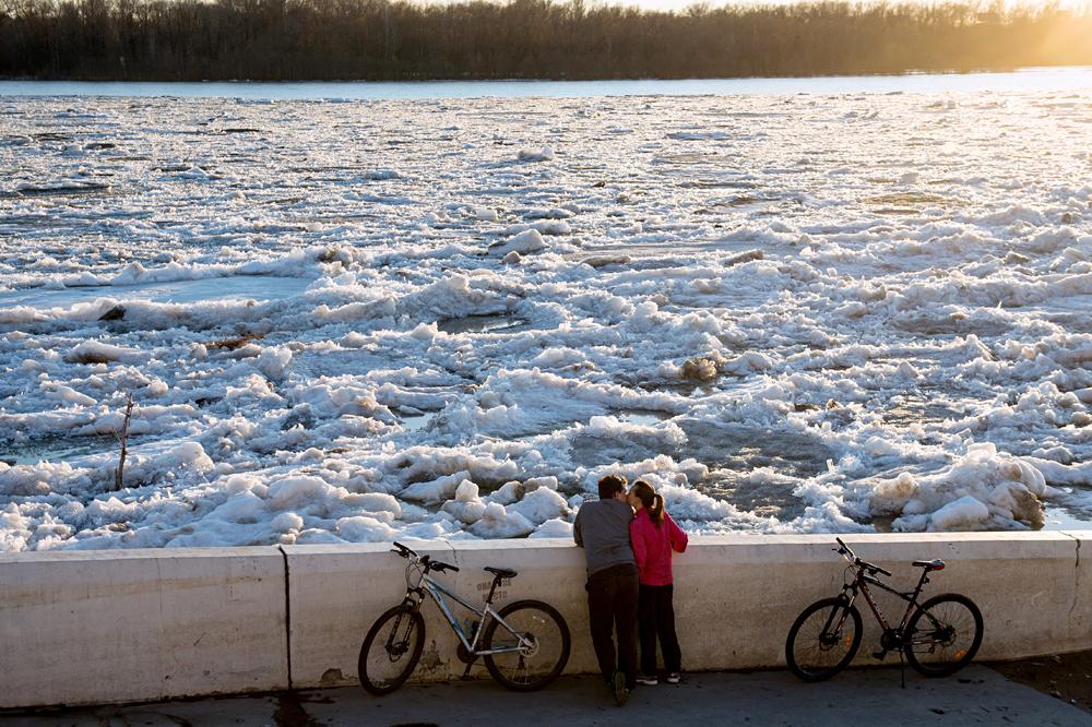 Ice breaks on Irtysh river in Omsk Region